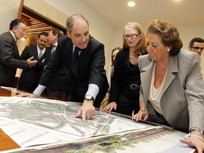 En Valencia la sñora paisajista que hizo el memorial a Lady Diana va a hacernos un bonito parque central.