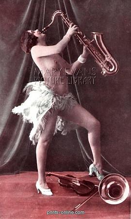 Ruth Bayton, Paris, 1927